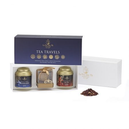 LVDTR.042_GIFT_BOX_TEA_TRAVELS_with_2_tins_of_40g_1_golden_steel_infuser-795x1092